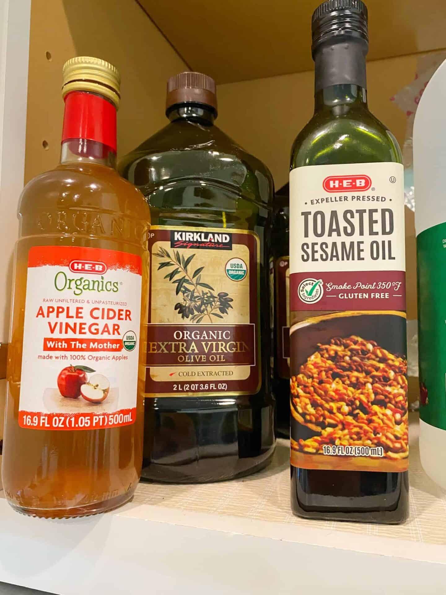 apple-cider-vinegar-and-oils