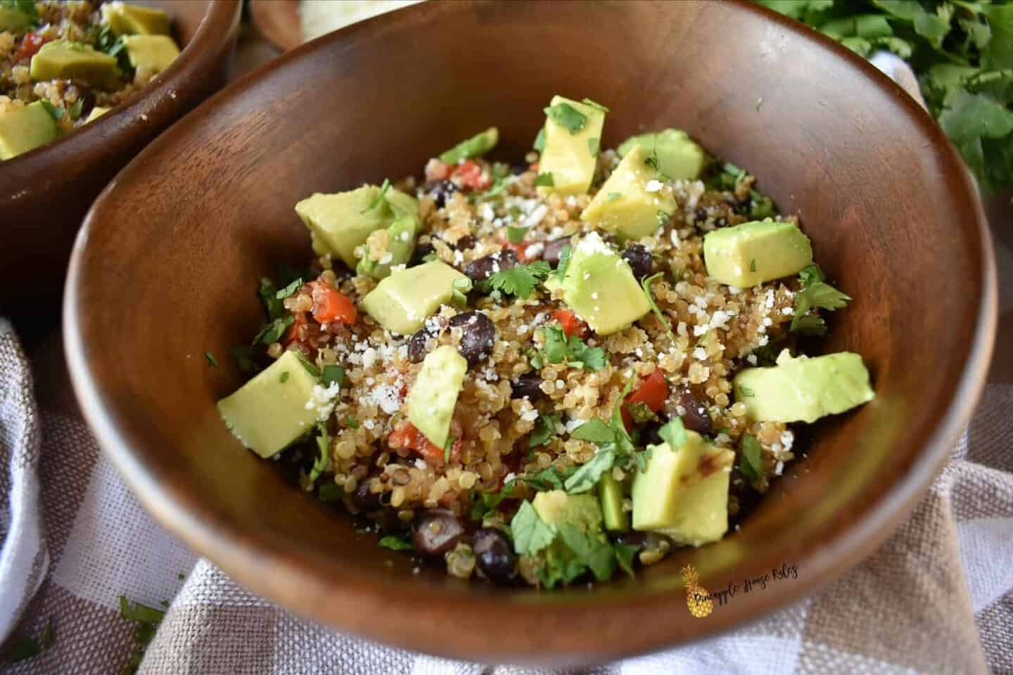 Loaded-Mexican-Veggie-Quinoa-with-Cilantro-Lime-Vinaigrette-easy-recipe